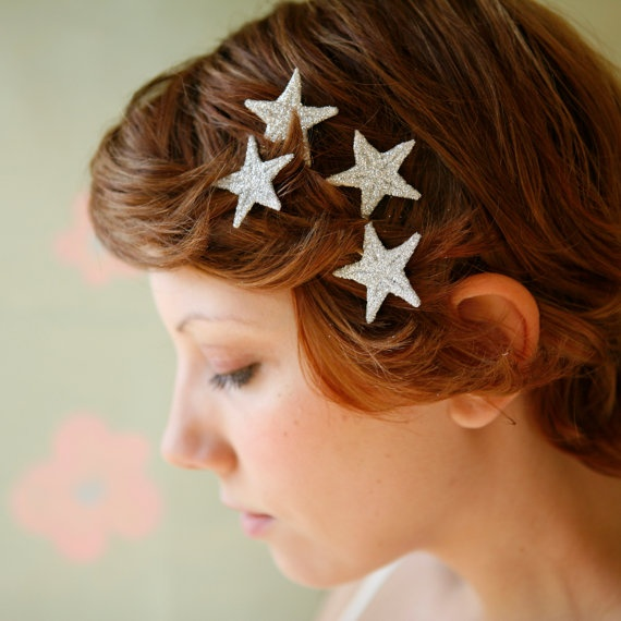 star-embellished-bobby-pin