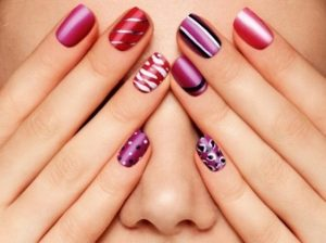 Charming-Simple-and-Easy-Nail-Art-Design