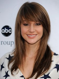 Beautiful-Haircut-Styles-for-Long-Hair-with-Side-Bangs