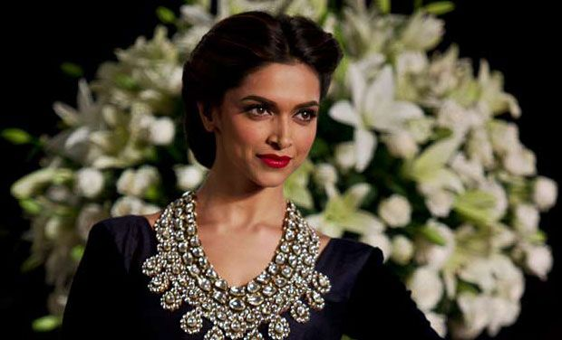 deepika_padukone in indian dress hd wallpaper