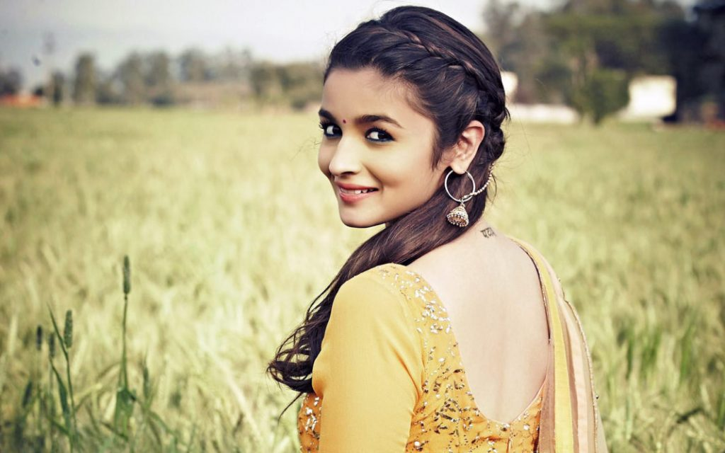 alia_bhatt_in_humpty_sharma_ki_dulhania-wide
