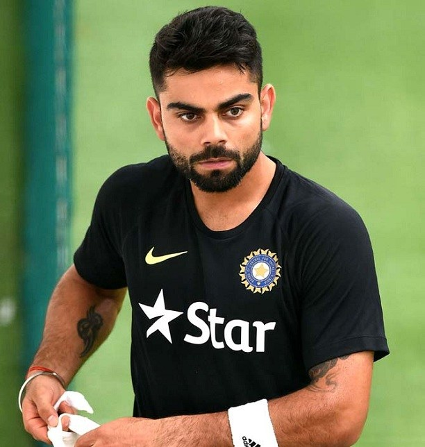 Virat-Kohli-Wallpapers-cute-looks-virat-kohli