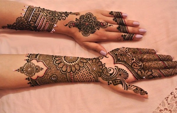 Eid-ul-Fitr-Girls-Hand-Feet-Mehndi-Designs-2016-3-2