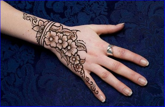 eid-mehndi-designs-2016-for-hands-Facebook-Pics-Images-Best-for-Eid