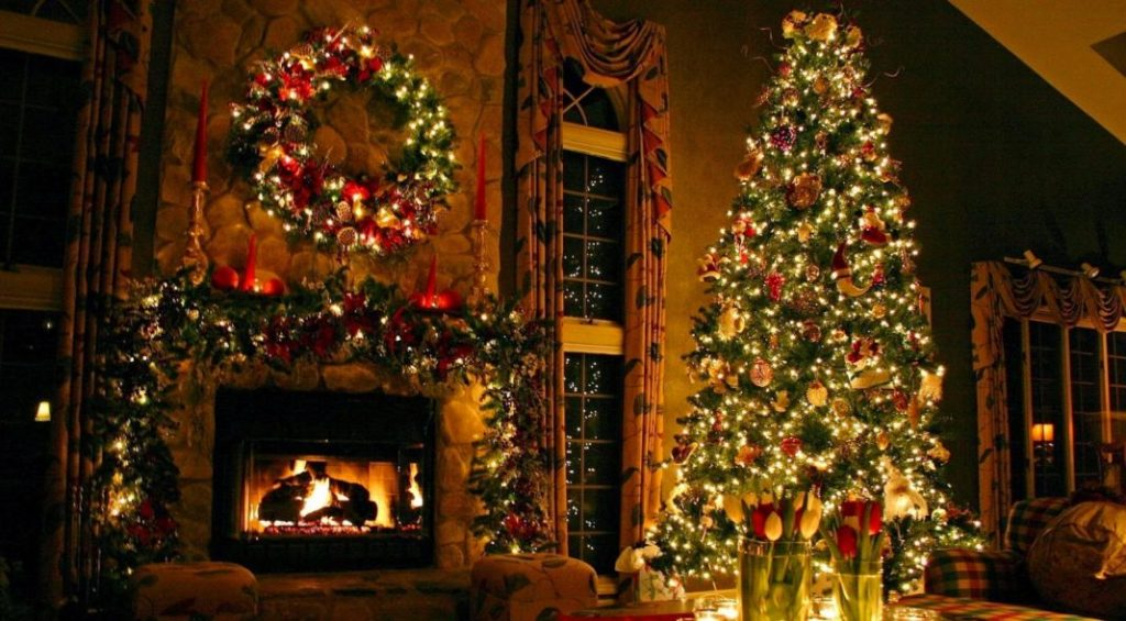 attractive-christmas-tree-oranments-decoration-ideas