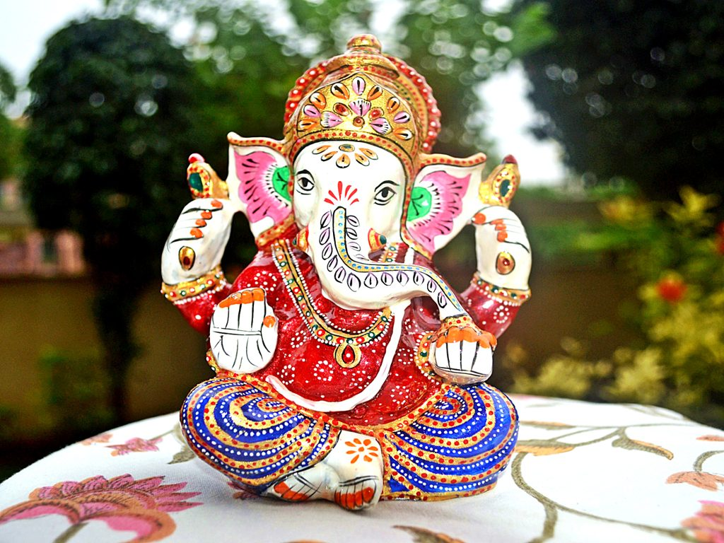 decorated ganesha for gifting